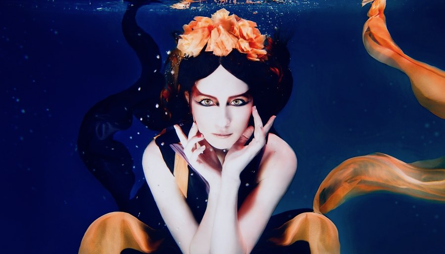 Scorpio Woman Underwater Dramatic Make-up
